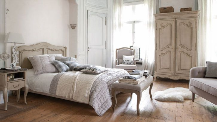 Meuble baroque interior 39 s meubles de style baroque ch teau for Photo chambre adulte cocooning